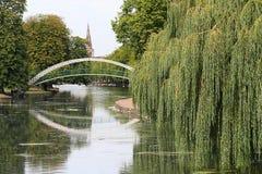 Fußgängerhängebrücke, Bedford, U K Stockbild