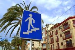 Fußgängerunterführungszeichen Stockfoto