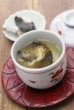 Fugu отсутствие hirezake, питья ради японских ребер blowfish горячего стоковые изображения