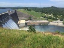 Fuite de lacs dam Photos stock