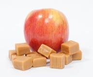 Fuji Apple med Caramels Royaltyfri Foto