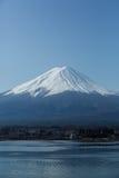 Fuji en el lago Kawaguchiko Imagenes de archivo