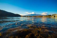 Fuji góry krajobrazu niebieskie niebo Zdjęcia Stock