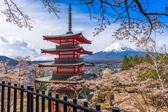 Fuji och Pagoda Royaltyfria Foton