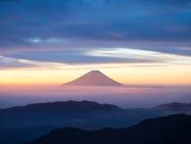 Fuji rose tandis que lever de soleil Images libres de droits