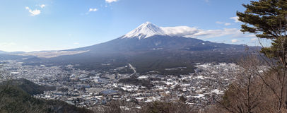 Fuji-san y opinión del panorama en Kachikachi Yama, Kawaguchiko, Yama Imagen de archivo libre de regalías
