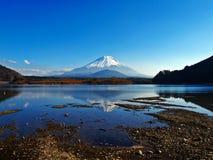 Fuji vom Gontenba See Stockfotos