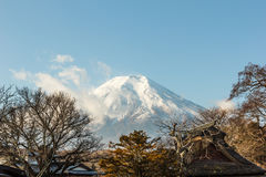 Fuji widok górski od Oshino Hakkai Fotografia Stock
