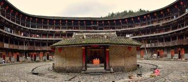 "FUJIAN-PROVINCIE, CHINA € ""CIRCA MEI 2016: Fujian-tulou, de Chinese landelijke woning uniek aan de Hakka-minderheid in Fujian royalty-vrije stock foto's"