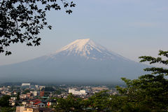Fujiberg, één van de beroemdste oriëntatiepunten in Japan Stock Afbeelding