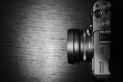 Fujifilm X100s mirrorless照相机 免版税库存照片