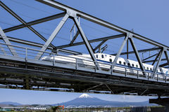 Fujisan en Shinkansen Stock Foto