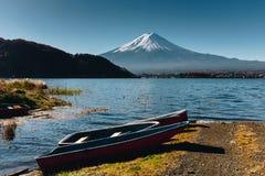 Fujisan, il monte Fuji è il più alta montagna nel Giappone con l'autunno Fotografie Stock