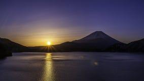 Fujiyama-` s Sonnenaufgang Stockbild
