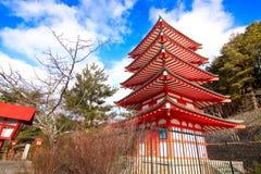 Fujiyoshida świątynia w ranku Zdjęcia Royalty Free