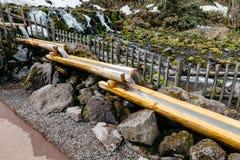 Fukidashi公园ฺBamboo矿物输送管道,被做了在区域那自然水由Mt Yotei 库存照片