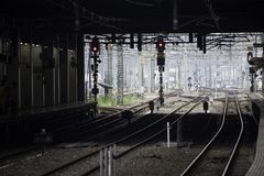 30 08 Fukuoka 2015 japan Hakata drevstation Arkivbild