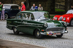 FULDA, DEUTSCHLAND - MAI 2013: Retro- Luxusauto Polizei Opels Kapitan Stockbilder