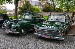 FULDA, GERMANIA - MAI 2013: BMW 501 502 e polizia l di Opel Kapitan Immagine Stock