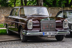 FULDA, GERMANY - MAI 2013: Mercedes-Benz 220 SE Limousine retro Stock Images