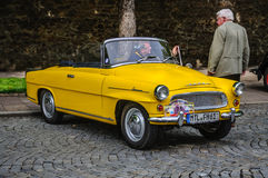 FULDA TYSKLAND - MAI 2013: Retro bil för Skoda Feliciacabrio på Mai royaltyfria bilder