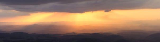 Fulgor alaranjado celestial Fotografia de Stock Royalty Free