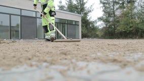Fulländande trottoar och sandpappra mellan stenar lager videofilmer