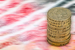 Fullödig sikt för makro för closeup för begrepp för värde för förminskning för devalvering för pundavskrivning på UK-valutabunten Royaltyfri Fotografi