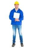 Full längdstående av den lyckliga manuella arbetaren med skrivplattan Fotografering för Bildbyråer