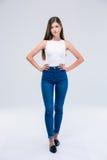 Full längdstående av en härlig kvinnlig tonåring Royaltyfri Fotografi