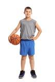 Full längdstående av en pojke med en basket Royaltyfri Fotografi