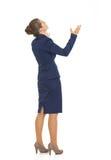 Full längdstående av tiggerin för affärskvinna Royaltyfri Bild