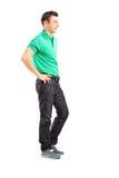 Full längdstående av stiligt tillfälligt posera för man Fotografering för Bildbyråer