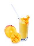 Full mango och mangolassi Arkivfoto