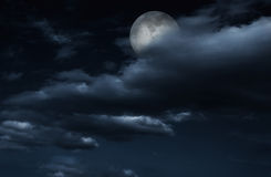 Free Full Moon In Night Sky With Clouds. Royalty Free Stock Image - 33403166
