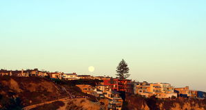 Full moon over beautiful beach houses Royalty Free Stock Photography