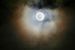 Full moon under cloud Royalty Free Stock Photography