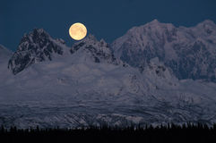 Full Moonrise over Mount McKinley Denali Range Alaska Midnight Royalty Free Stock Photography