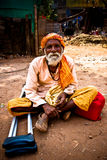 Full portrait of an Indian Cripple Julian Bound Stock Photos