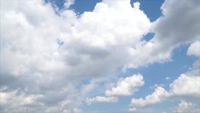 Full schackningsperiod för HD Tid av moln arkivfilmer