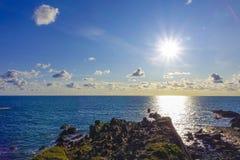 Full solHartland-kaj Devon England UK Arkivfoto
