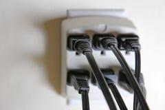 Fulla elektriska uttag Arkivfoto