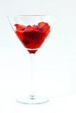 fulla glass jordgubbar för coctail Arkivfoto