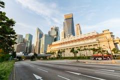 Fullerton för gata främst hotell och horisont Royaltyfri Foto