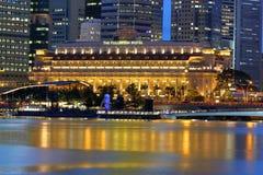 Fullerton hotel w wieczór, Singapur Obraz Stock
