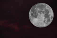 Fullmåne i himlen Arkivfoto