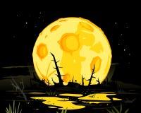 Fullmåne i mystisk bakgrund för nattträsk Royaltyfri Foto