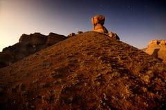 Fullmånenatt i kanjonen royaltyfri foto