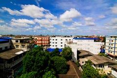 Fullsatt bostads- med dagsljus Arkivfoton
