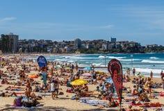 Fullsatt manlig strand Royaltyfria Foton